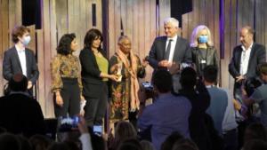 remise du prix liberté barbara hendricks jury soeurs de Loujain (1)